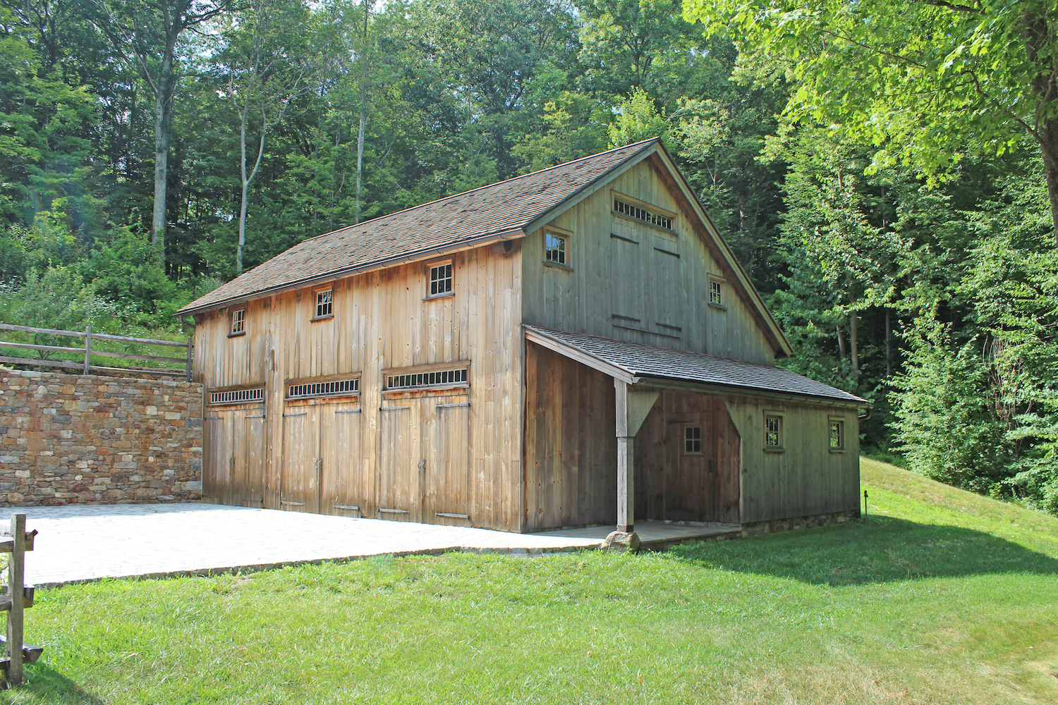 New england barn custom barns for Sheds and barns