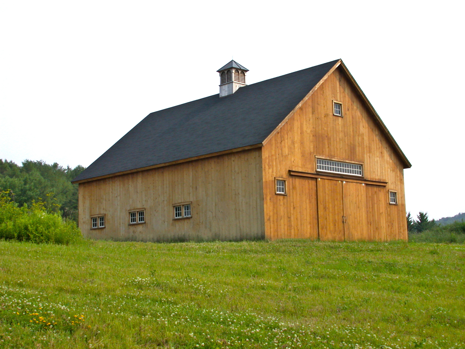 New england barn custom barns for Custom barn homes