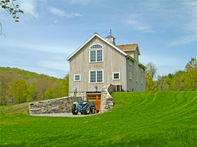Custom Insulated Litchfield Queenpost Bank Barn